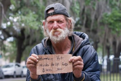 The Homeless Man - A Short Spiritual Story About Community and Compassion