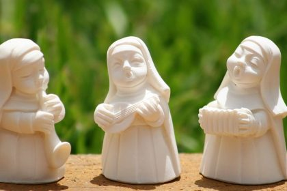 The Naturist Nuns - Spiritual Story by Keith Beasley