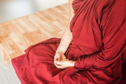Nonoko And The Thief - A Zen Buddhist Spiritual Story by Anthony de Mello