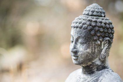 Buddha Threatened by Death - A Zen Buddhist Spiritual Story by Anthony de Mello